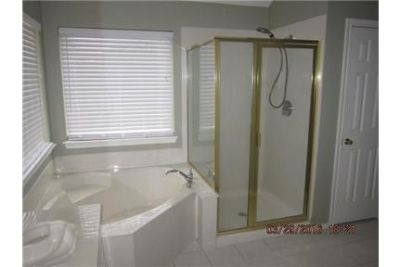 Great community surrounding the plantation golf course resort. Washer/Dryer Hookups!