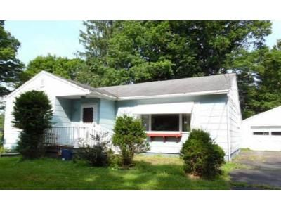 2 Bed 1 Bath Foreclosure Property in Falconer, NY 14733 - E Mosher St