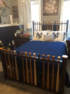Rooms to Go Boys Full Size Baseball Bed w/ Alan s Height Sealy Mattress and New Set of Sports bedding