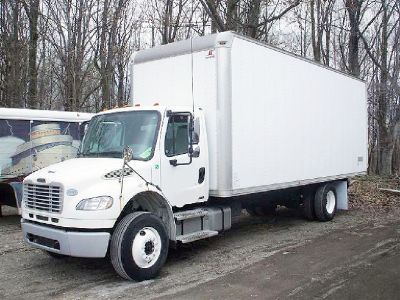 2009 Freightliner 24 ft (CDL) Straight Truck