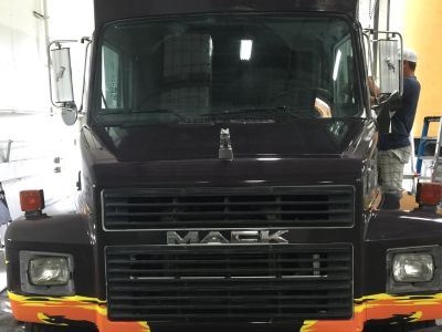 2001 Mack toter