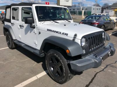 2016 Jeep Wrangler Unlimited 4WD 4DR BLACK BEAR *LTD A (Bright White Clearcoat)