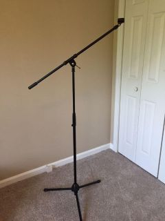 Microphone stand (boom type)