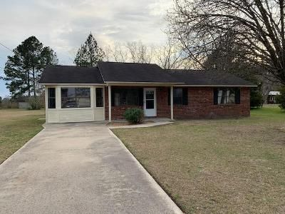 3 Bed 2 Bath Foreclosure Property in Odum, GA 31555 - Tank Rd