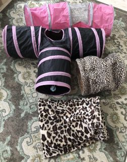 4x Cat tunnels crinkle sac toys