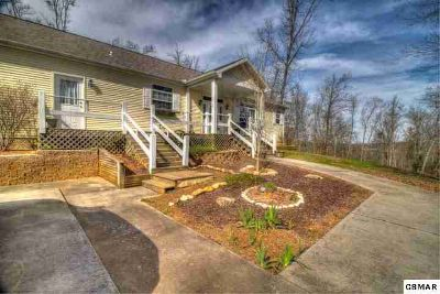 1048 Harbor Point Dr Sevierville Three BR, Finally...