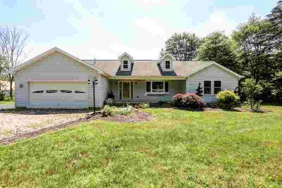 156 Cliff Rd Harrisburg, Beautiful 3 BR ranch home