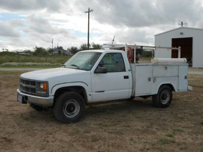 Chevy Service Truck with Lift gate