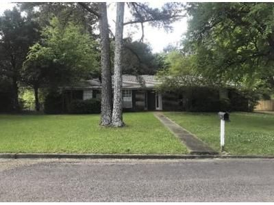 Foreclosure Property in Tupelo, MS 38801 - Harrison St