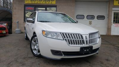 2010 Lincoln MKZ Base (White Platinum Tri-Coat Metallic)
