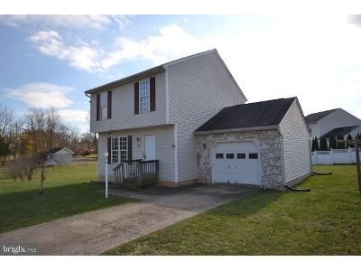 3 Bed 2 Bath Foreclosure Property in Gettysburg, PA 17325 - Jessica Dr