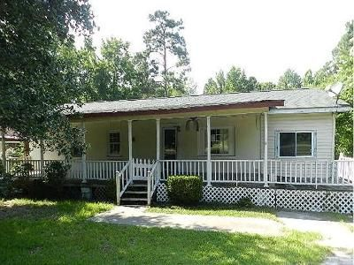3 Bed 1 Bath Foreclosure Property in Pineville, SC 29468 - Edgewater Rd