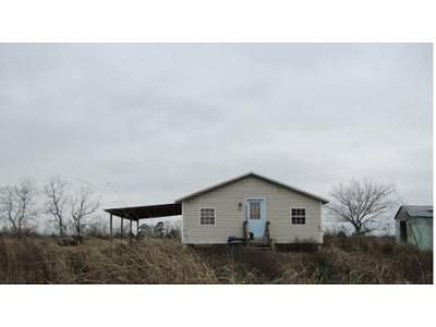 2 Bed 1 Bath Foreclosure Property in Church Point, LA 70525 - Circle T Ln
