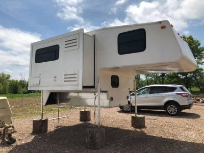 By Owner! 2006 16ft. Arctic Fox 860 Silver Fox Edition w/slide