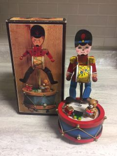 Vintage Christmas Music Box Dancing Toy Soldier. Excellent Condition in Box. CP.