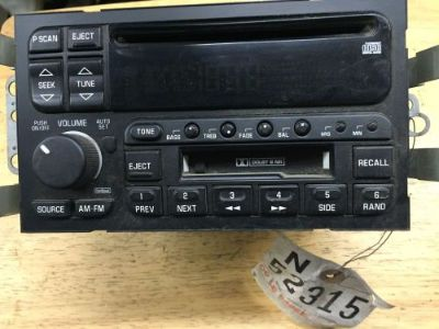 Sell 2000 LE SABRE AUDIO RADIO RECEIVER AM/FM/ CD motorcycle in Sun Valley, California, United States, for US $25.00
