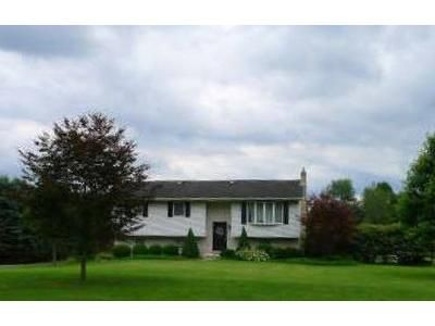 3 Bed 2 Bath Foreclosure Property in Lehighton, PA 18235 - Station St