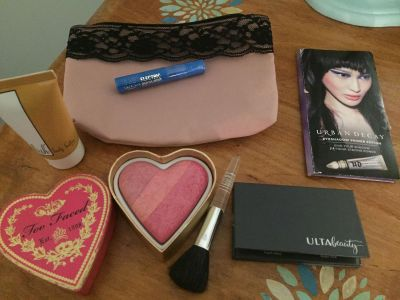 Make up lot & new bag. New sealed mascara & urban decay/ultra. Used a brush to try heart all for $10