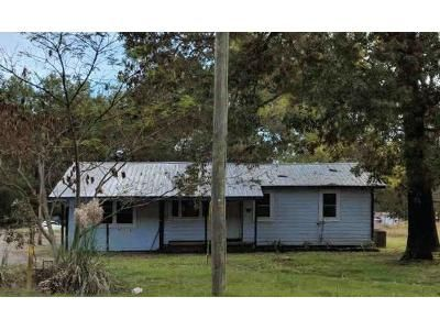 2 Bed 1 Bath Foreclosure Property in Morrilton, AR 72110 - Highway 9