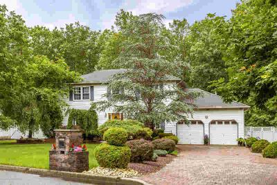 8 Denise Drive JACKSON Four BR, Beautiful Colonial Style home