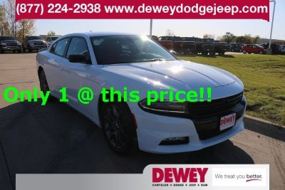2018 Dodge Charger SXT (white)