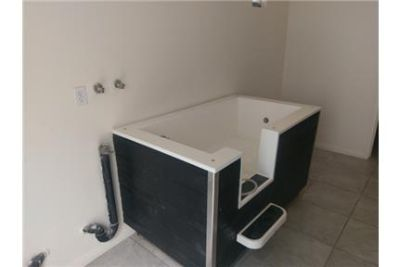 Gated Community, Pet Friendly with BBQ & Washer/Dryer in unit