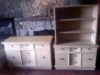 MAKE OFFER-MUST GO- Matching Buffet & China Closet Dining Set