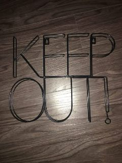 """target wall decor """"keep out"""""""