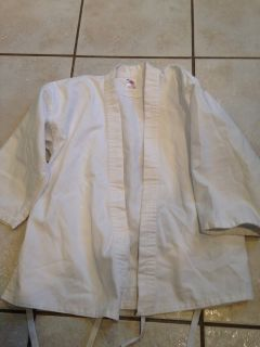 Light weight white size 1 gi top