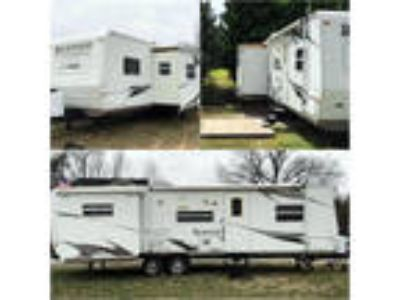 2008 Forest River Rockwood Signature Ultra Lite 8313SS 32ft