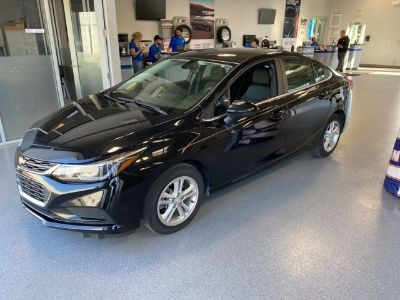 2018 Chevrolet Cruze LT (Black Metallic)