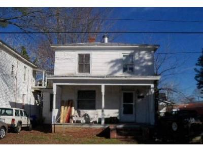 2 Bed 1 Bath Foreclosure Property in Suffolk, VA 23434 - Central Ave