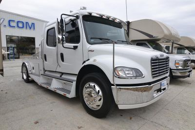 2005 FREIGHTLINER MUST SEE TO APPRECIATE