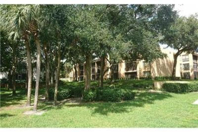 Updated 2/2 condo in Cranes Roost!
