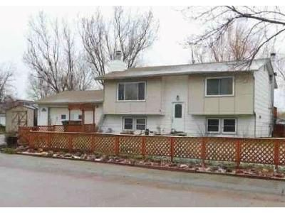2 Bed 1 Bath Foreclosure Property in Gillette, WY 82718 - E Walnut St