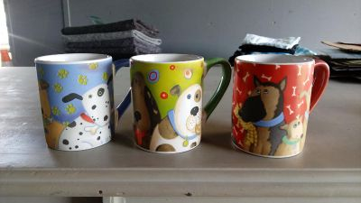 3 puppy dog coffee mugs. Great condition