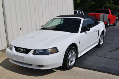 2003 Ford Mustang Deluxe (White)