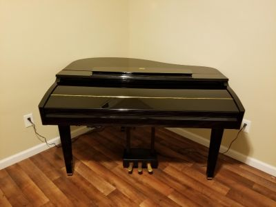 *DIGITAL BABY GRAND PIANO*$2,000