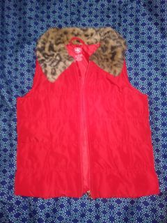 Red puffy vest sz S 5/6