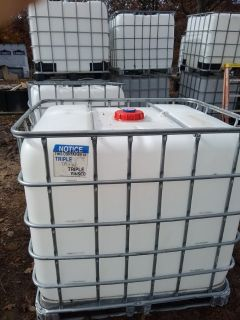 Job site water totes