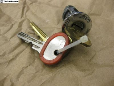 Early Ignition lock cylinder with keys