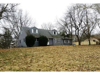 4 Bed 2 Bath Foreclosure Property in Rockford, IL 61101 - Hitching Post Trl