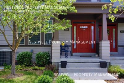 Daybreak Townhouse with finished basement!