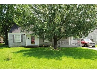 Preforeclosure Property in Beaumont, TX 77702 - Gladys St