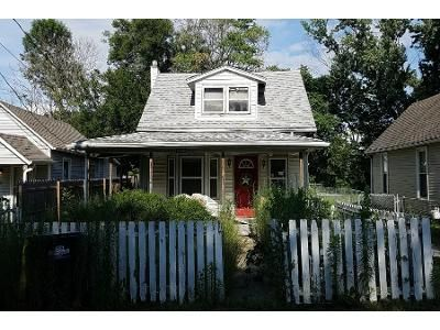 2 Bed 1.0 Bath Preforeclosure Property in Spring Hill, KS 66083 - S Main St