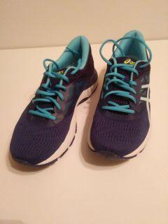 "Running Shoes for women.  ""ASICS""   Brand new, still in the box"