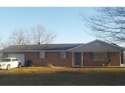 3 Bed 2 Bath Foreclosure Property in Waynesboro, PA 17268 - East Ave