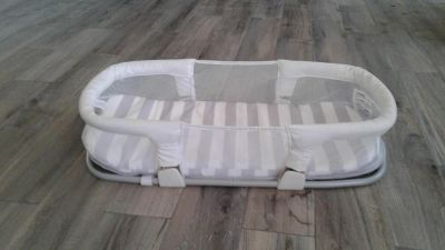 Swaddle me co sleeper for baby