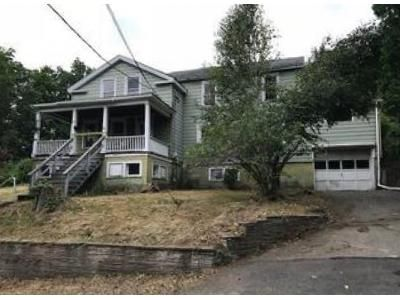 3 Bed 2 Bath Foreclosure Property in Honesdale, PA 18431 - Tryon St