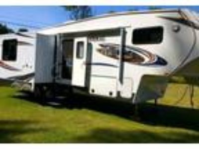 2012 Coachmen Chaparral 5th Wheel in Barre, VT